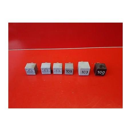 volkswagen golf 4 lot 6 relais 53 100 103 109 gb auto pi ces. Black Bedroom Furniture Sets. Home Design Ideas